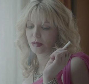 courtney love cigarette electronique